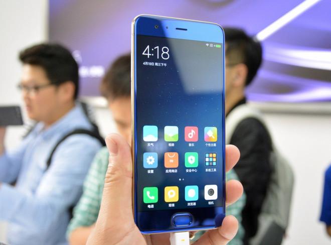 Sếp Xiaomi tự hào khoe thành tích Mi 6 dù đã ra mắt hơn 4 năm nhưng hiện vẫn có hơn 2 triệu người dùng - Ảnh 1.