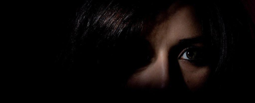 Vì sao chúng ta thường sợ bóng tối?-1