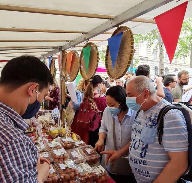 Người tiêu dùng Pháp: Vải thiều Việt Nam ngon hơn hẳn vải Madagascar-2