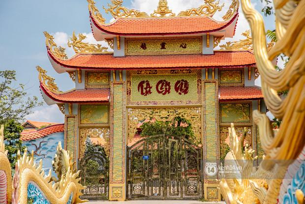 Toàn cảnh Nhà thờ Tổ 100 tỷ của NS Hoài Linh: Trải dài 7000m2, nội thất hoành tráng sơn son thếp vàng, nuôi động vật quý hiếm-8