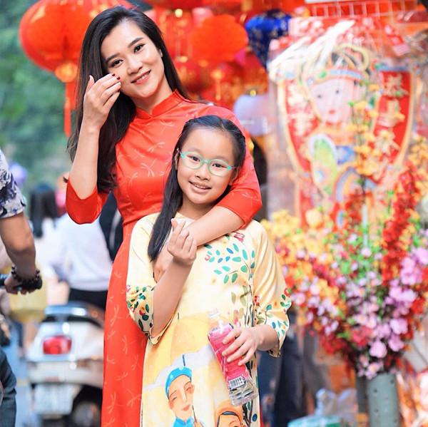 Đời tư kín tiếng của BTV Khánh Trang của Thời sự 19h-4