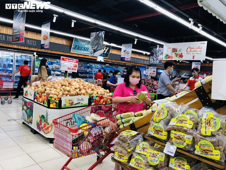 Ảnh: Hàng hóa chất đầy kệ, người Sài Gòn không cần lo thiếu thực phẩm - 8