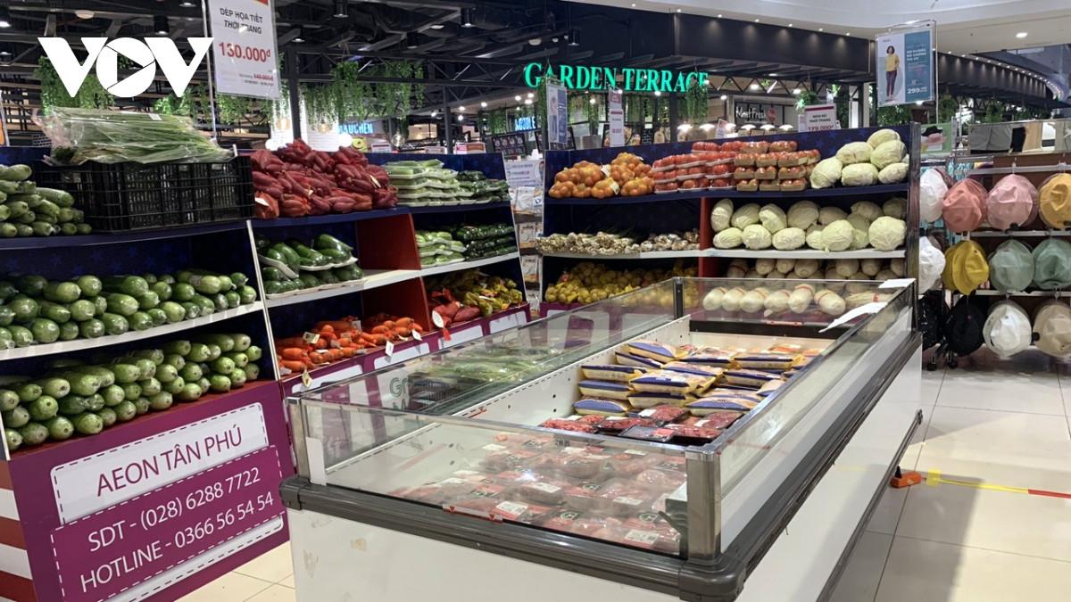 Các siêu thị ở TP.HCM căng mình chống dịch Covid-19-2