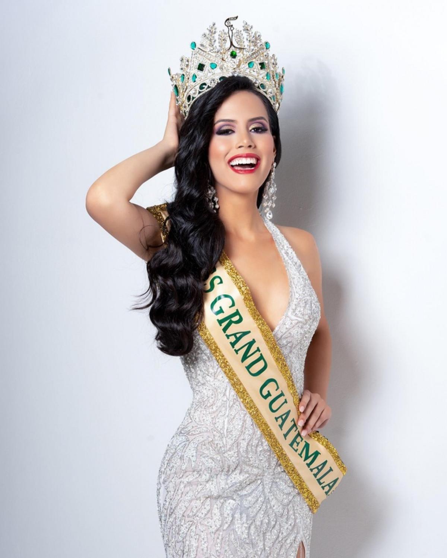 Nét đẹp Latin quyến rũ của nữ sinh báo chí được bổ nhiệm Hoa hậu Hoà bình Guatemala 2021-7