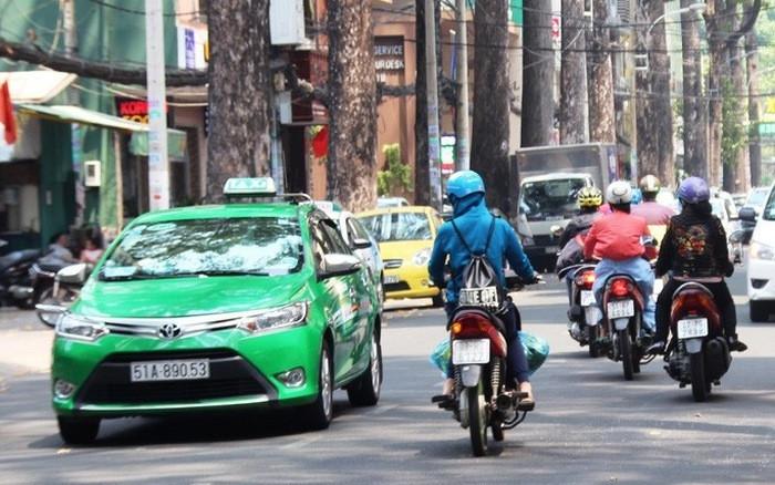 TP.HCM cho phép 400 taxi hoạt động trong thời gian giãn cách xã hội-1