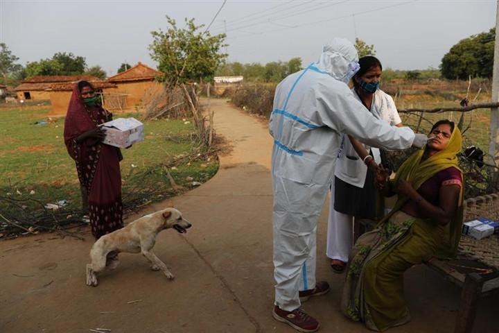 Nhiều dân Mỹ - Ấn Độ cự tuyệt tiêm vaccine COVID-19-2