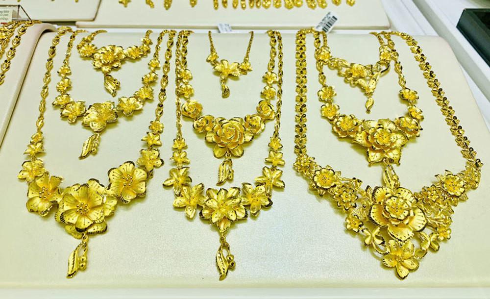 Giá vàng hôm nay 23/6: USD treo cao, vàng chao đảo vì Fed-1