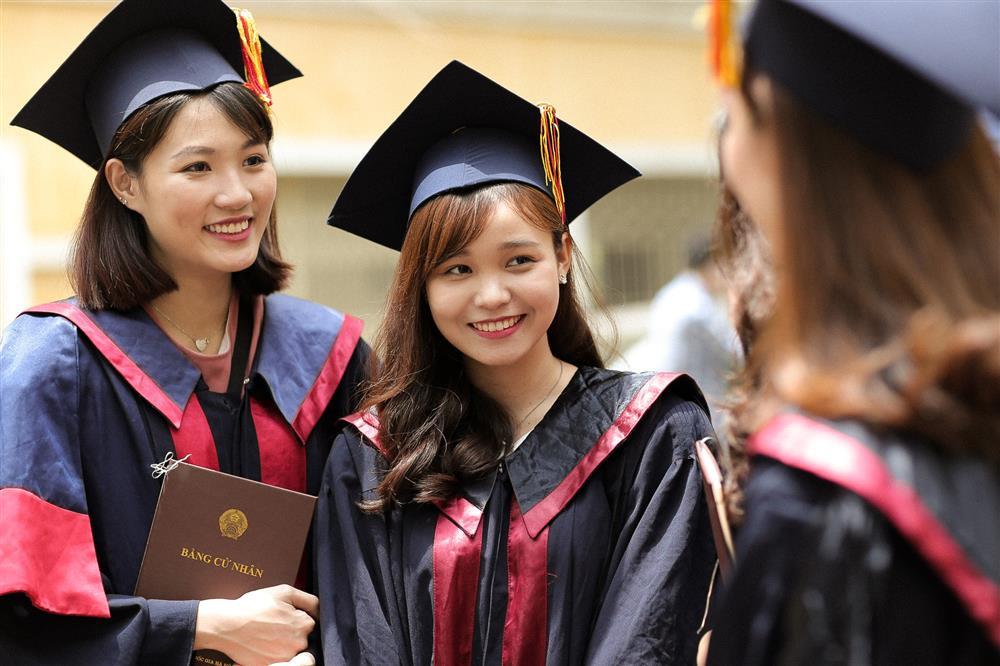 Lần đầu tiên Bộ GD&ĐT quy định chuẩn chương trình đào tạo bậc đại học và sau đại học-1