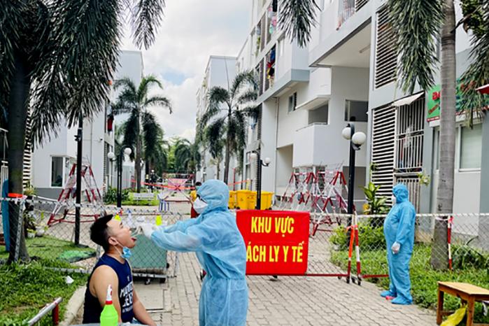 Thứ trưởng Bộ Y tế: Sẽ kiến nghị tăng cường vắc xin cho Bình Dương-3