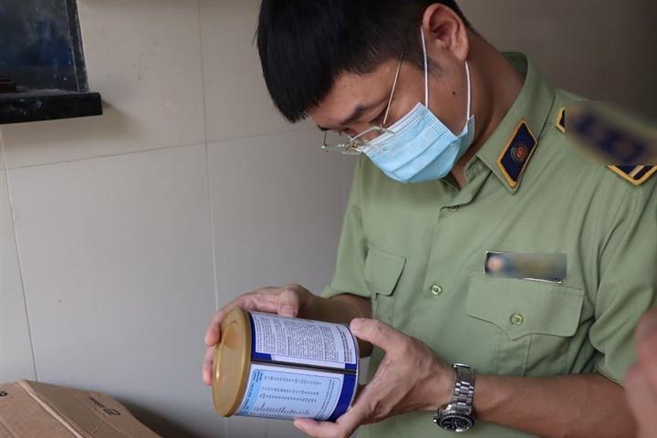 Tổng tấn công 8 kho hàng Hà Nội, Hưng Yên livestream bán hàng không rõ nguồn gốc-4