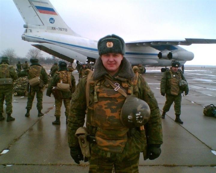 Đại úy Nga ra quân, chọn nghề làm móng cho chị em-2