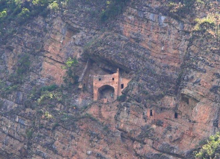 Parigala - Lâu đài cổ tích huyền bí của Azerbaijan-1
