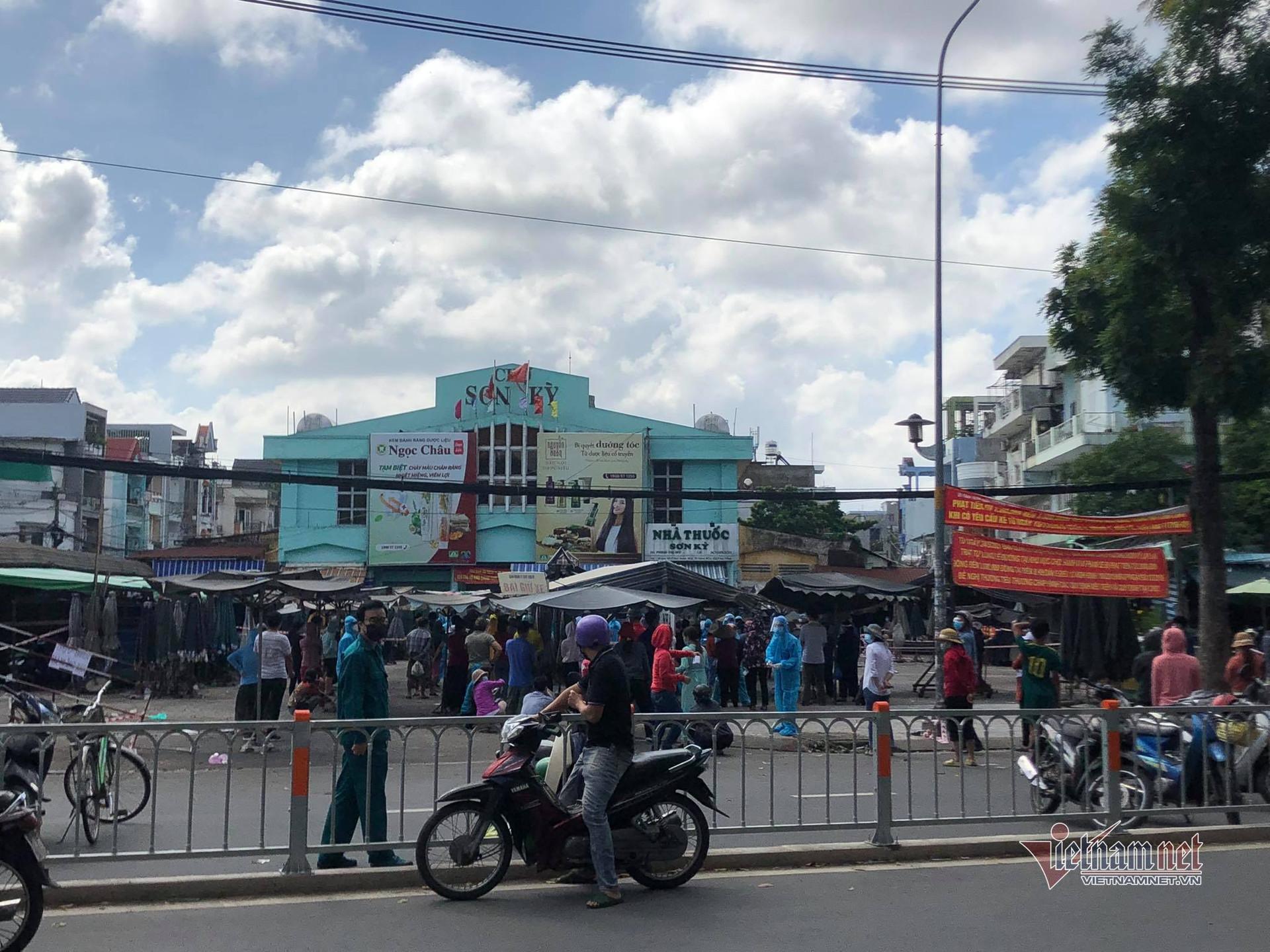 Quận Tân Phú thông báo tìm người đến 18 điểm có ca Covid-19-1