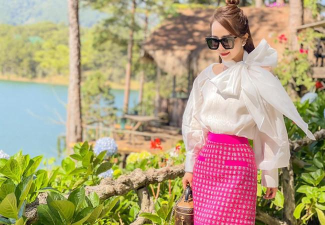 Sao Việt 24/6; MC Mai Ngọc đẹp tinh khôi trong khoảnh khắc đời thường-6
