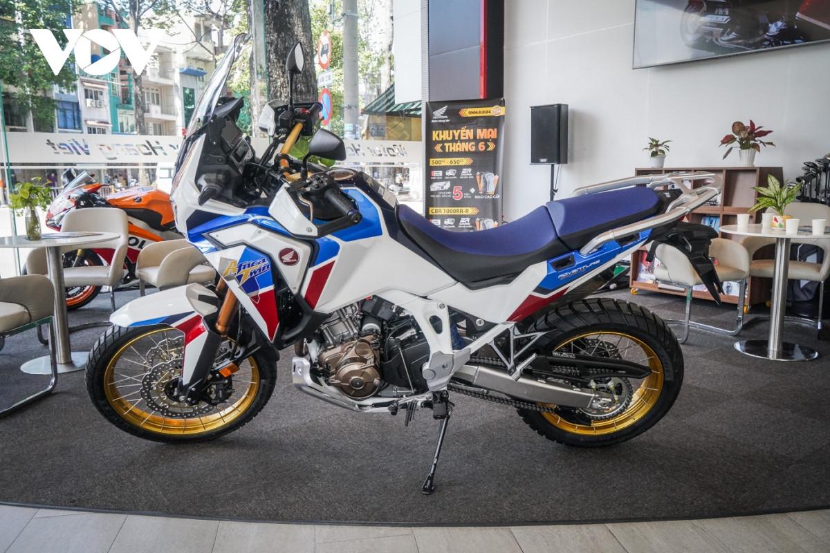 Cận cảnh Honda Africa Twin Adventure Sport giá gần 700 triệu đồng-2