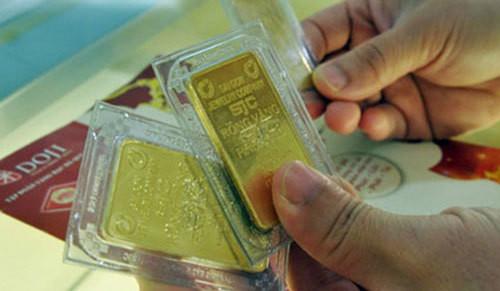 Giá vàng hôm nay 24/6: Fed còn lưỡng lự, vàng tăng vọt trở lại-1