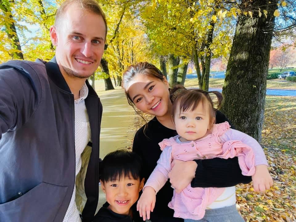 Từng ám ảnh một mình nuôi con, mẹ đơn thân Việt lấy ngay chồng Tây rồi sống đời hạnh phúc-7