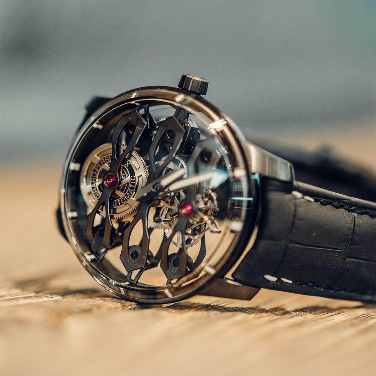 Aston Martin ra mắt mẫu đồng hồ giá hơn 3 tỷ đồng-2
