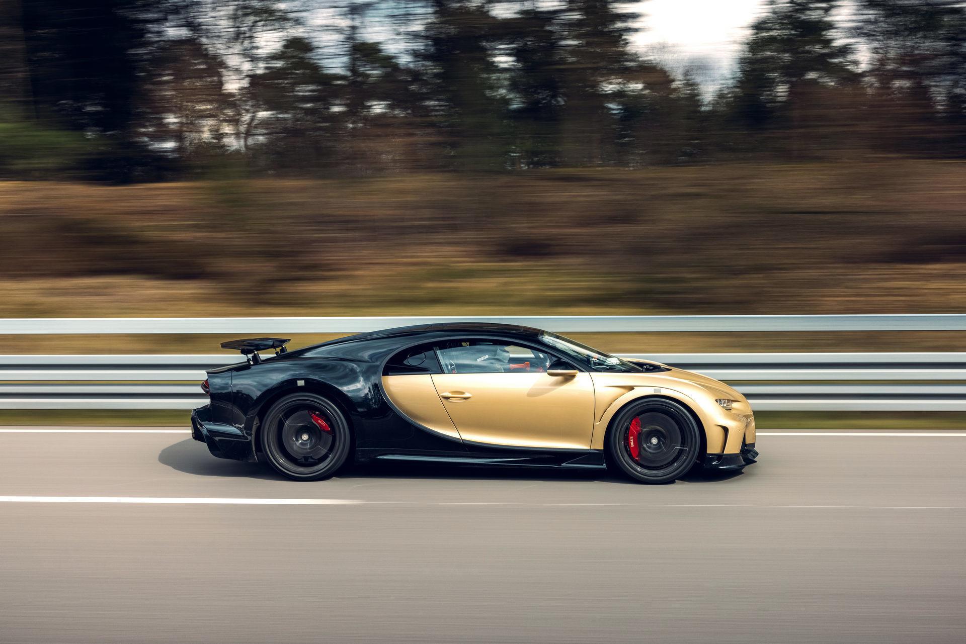 Hé lộ hình ảnh siêu xe Bugatti đang chạy thử với tốc độ 440 km/h-2