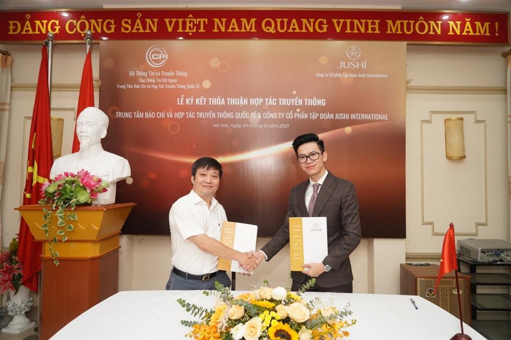 Ký kết thỏa thuận hợp tác truyền thông giữa Trung tâm Báo chí và Hợp tác Truyền thông Quốc tế với  Công ty CP tập đoàn Jushi International-1
