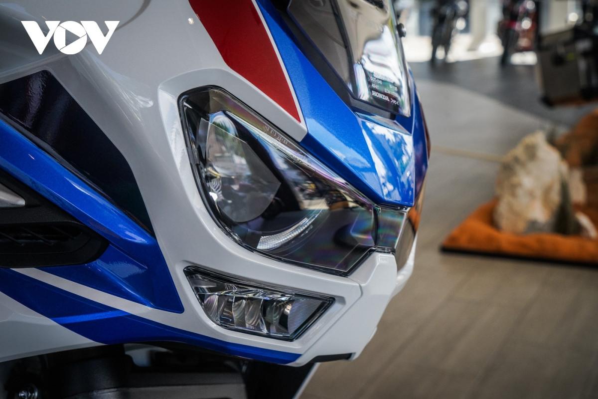 Cận cảnh Honda Africa Twin Adventure Sport giá gần 700 triệu đồng-5