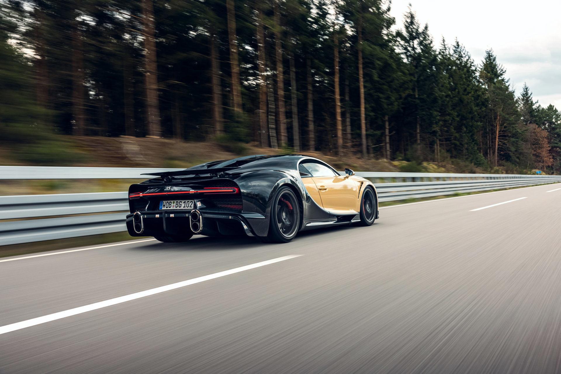 Hé lộ hình ảnh siêu xe Bugatti đang chạy thử với tốc độ 440 km/h-4