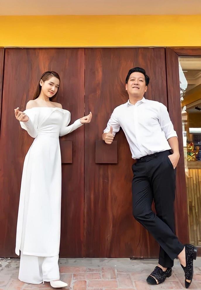 Sao Việt 24/6; MC Mai Ngọc đẹp tinh khôi trong khoảnh khắc đời thường-4