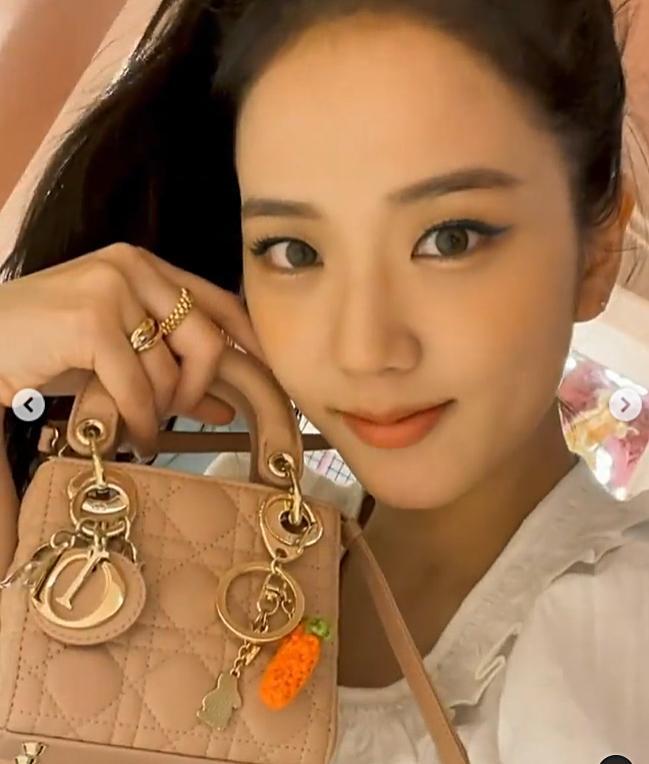 Mix túi tí hon 80 triệu: Ji Soo, Jessica chảnh hết cỡ - Suzy nhợt nhạt kém sắc-3