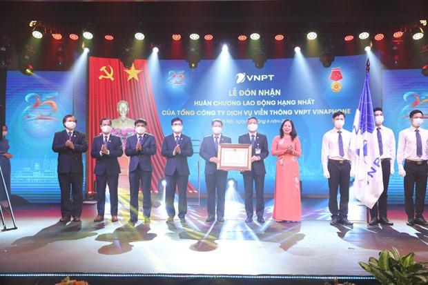 VNPT VinaPhone don nhan Huan chuong Lao dong hang Nhat hinh anh 1