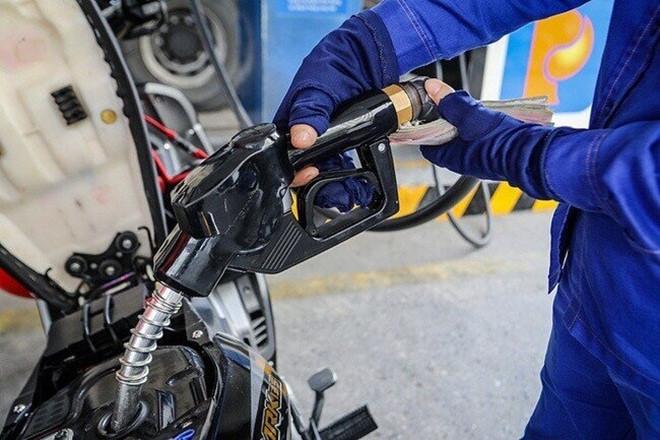 Giá xăng trong nước sắp tăng? - 1
