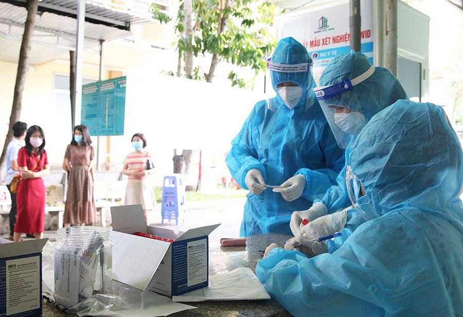Thêm 102 ca mắc COVID-19, TP.HCM có 54 bệnh nhân-1