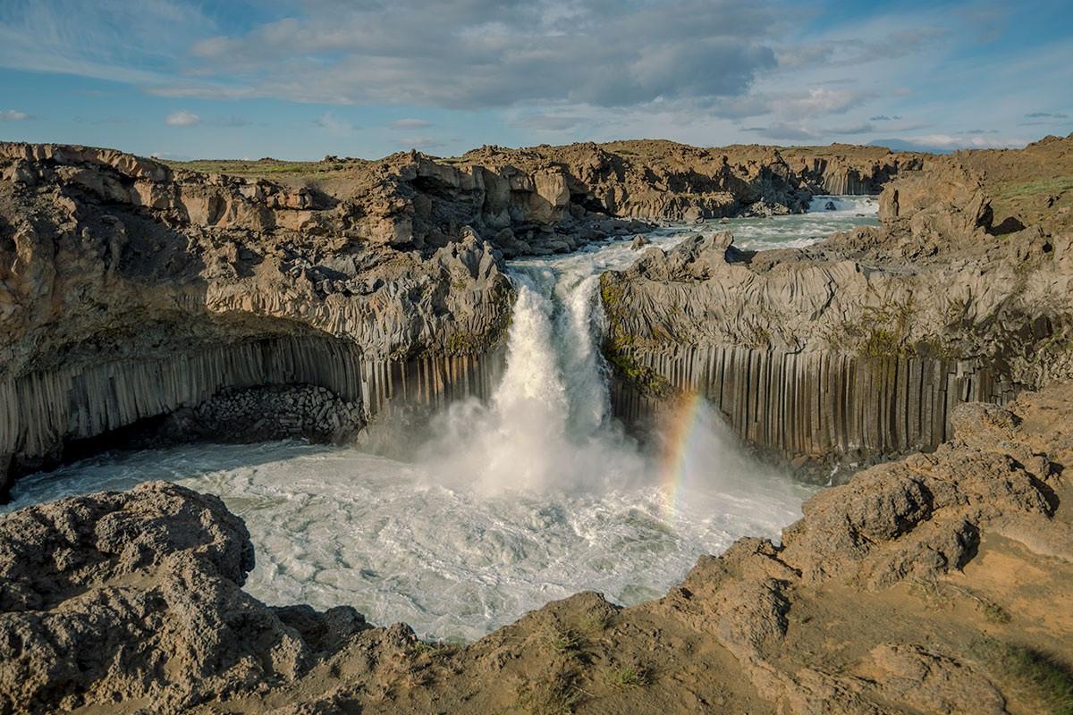 Những cột đá tự nhiên kỳ lạ ở đất nước của băng và lửa-8