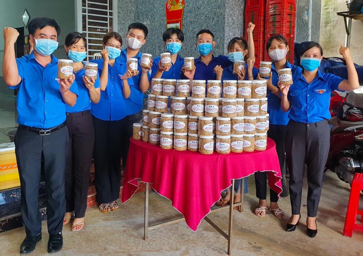 Thanh niên Bình Phước làm những món ăn dân dã tiếp sức lực lượng chống dịch-1