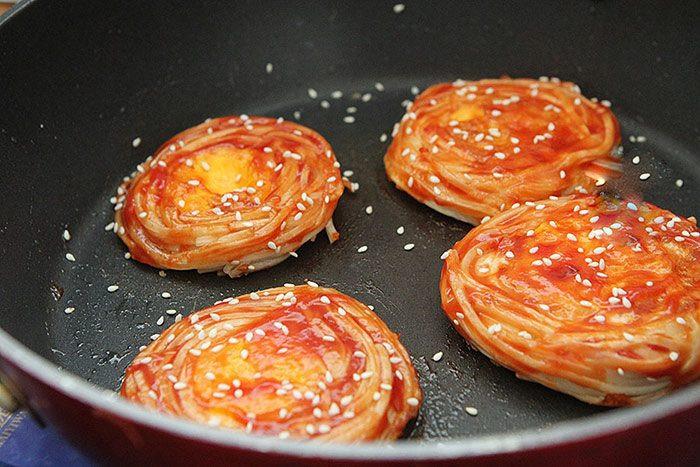 Mì nấu nước ăn mãi cũng chán, đem nướng kiểu này được món ăn sáng sang như nhà hàng-7