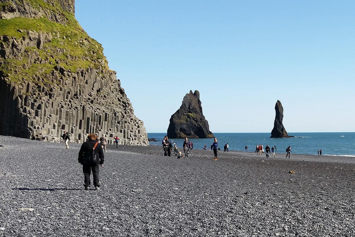 Những cột đá tự nhiên kỳ lạ ở đất nước của băng và lửa-3
