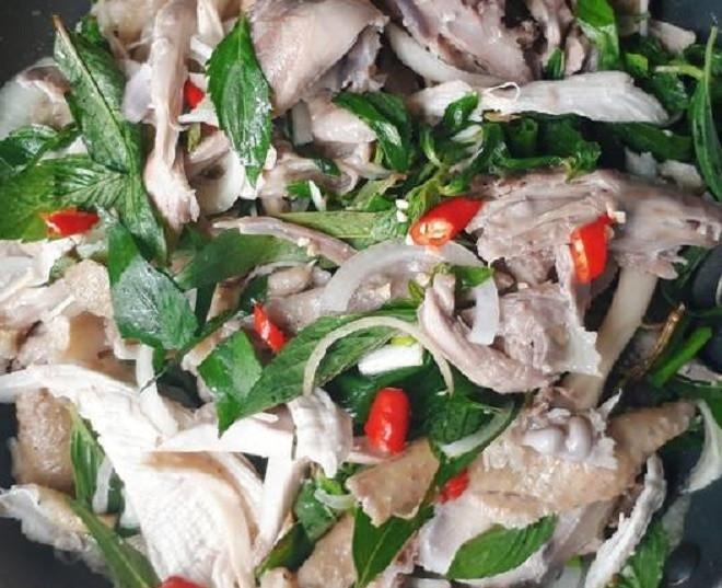 Món ngon mỗi ngày: Gà bóp rau răm-1