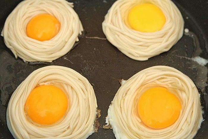 Mì nấu nước ăn mãi cũng chán, đem nướng kiểu này được món ăn sáng sang như nhà hàng-5
