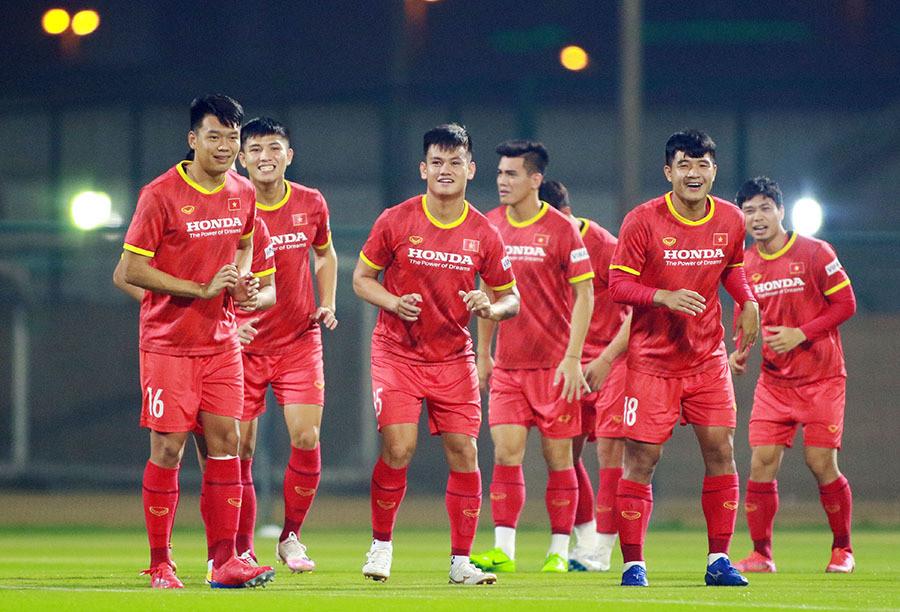 Lập 2 đội tuyển đá AFF Cup và VL World Cup: Nhanh quá hoá vụng-1