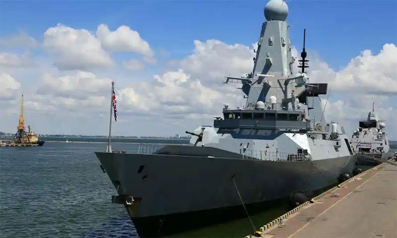 Nga và Anh cùng thắng sau xích mích ở Biển Đen?-1