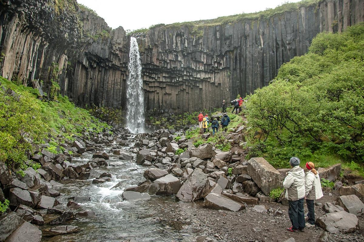 Những cột đá tự nhiên kỳ lạ ở đất nước của băng và lửa-5