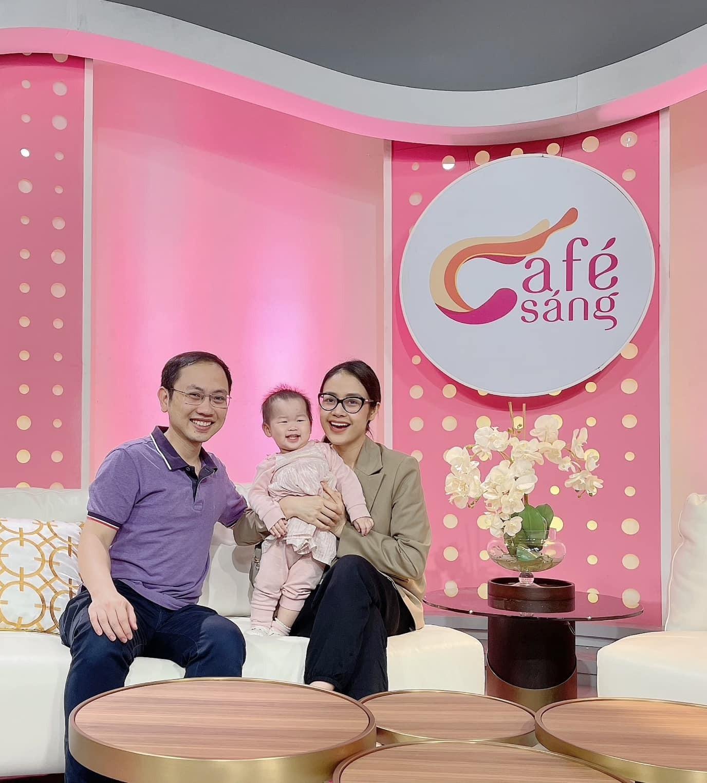 MC Phí Linh: Chồng tôi làm sếp ở VTV nhưng về nhà là thường dân-4