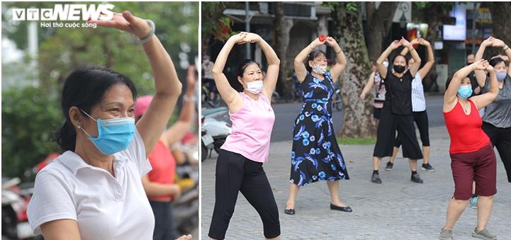 Người Hà Nội ra đường tập thể dục, nghiêm túc phòng dịch sau ngày giãn cách  - 3