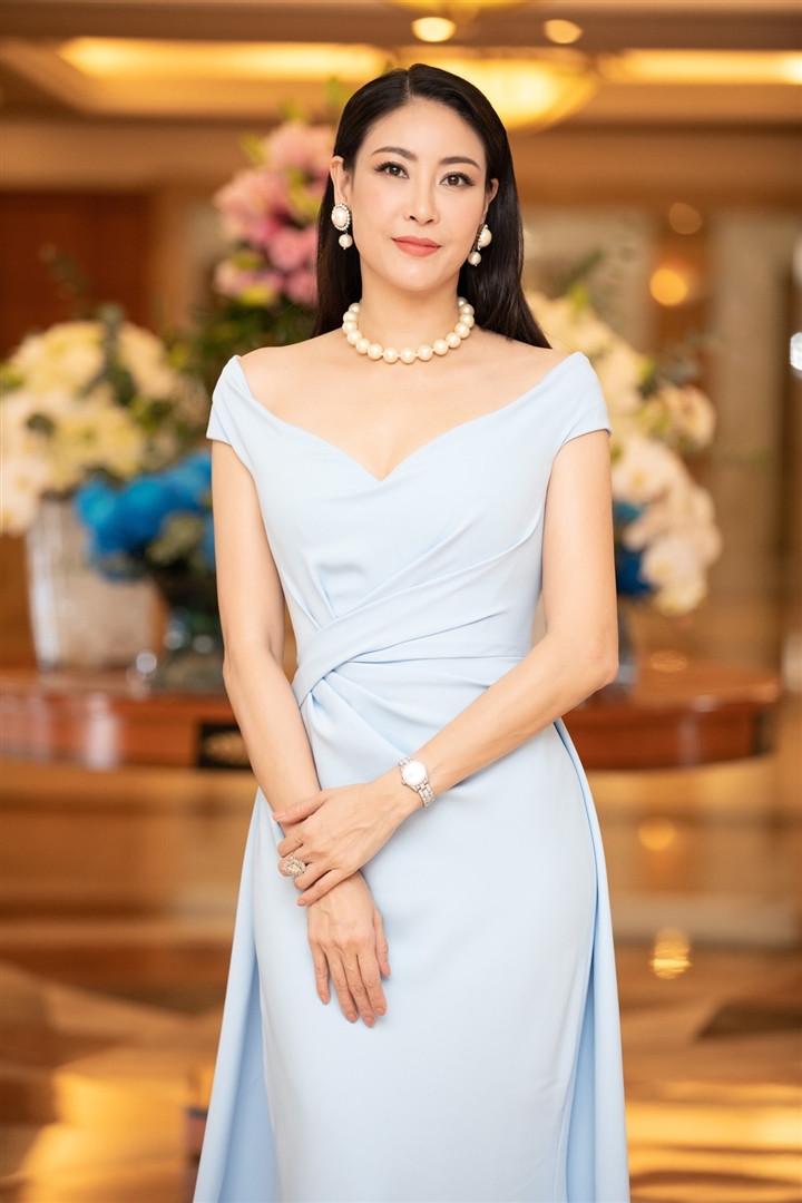 Hoa hậu Hà Kiều Anh tiết lộ mình là hậu duệ của vua Minh Mạng-2