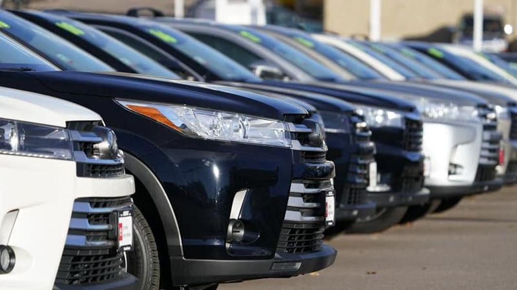 Hàng loạt xe tại Việt Nam giảm giá, ô tô cả cũ lẫn mới tại Mỹ đội giá-2