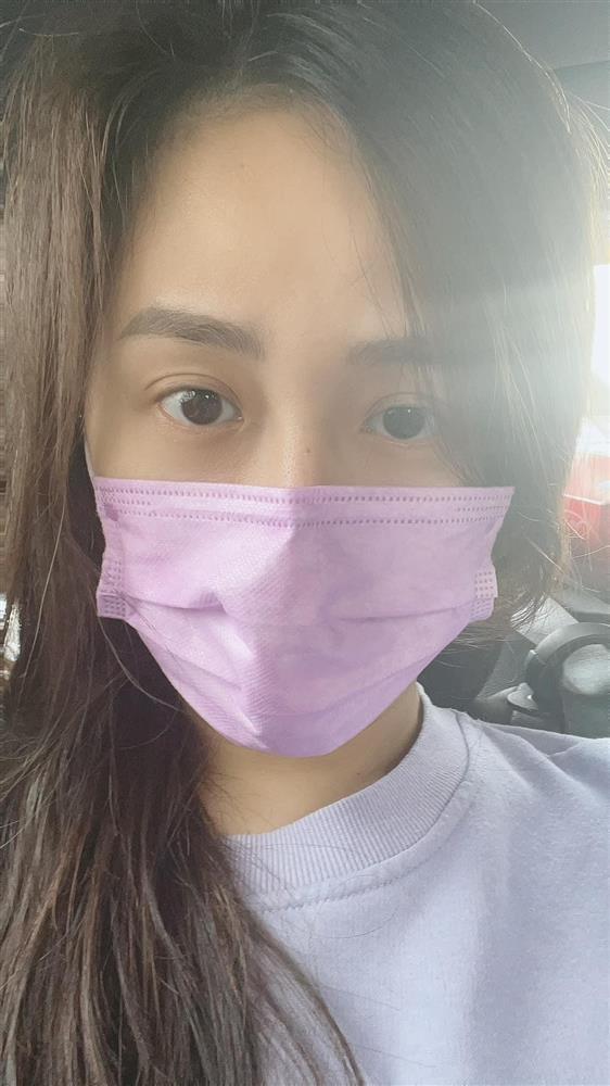 Mai Phương Thuý bịt kín mít nhưng vẫn kẻ mắt sắc sảo-4