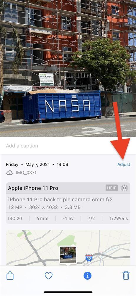 Cách thay đổi vị trí và ngày/giờ của hình ảnh trên iOS 15-11