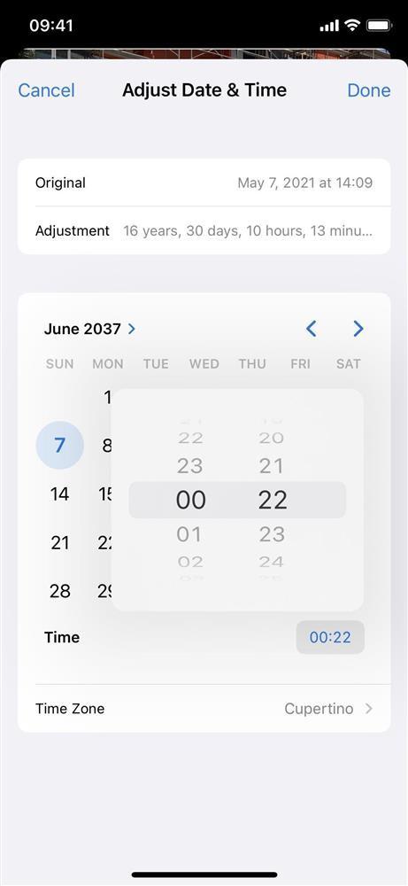 Cách thay đổi vị trí và ngày/giờ của hình ảnh trên iOS 15-14