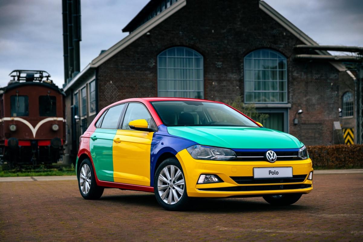 Volkswagen Polo xuất hiện với bộ áo Harlequin đầy sắc màu-2