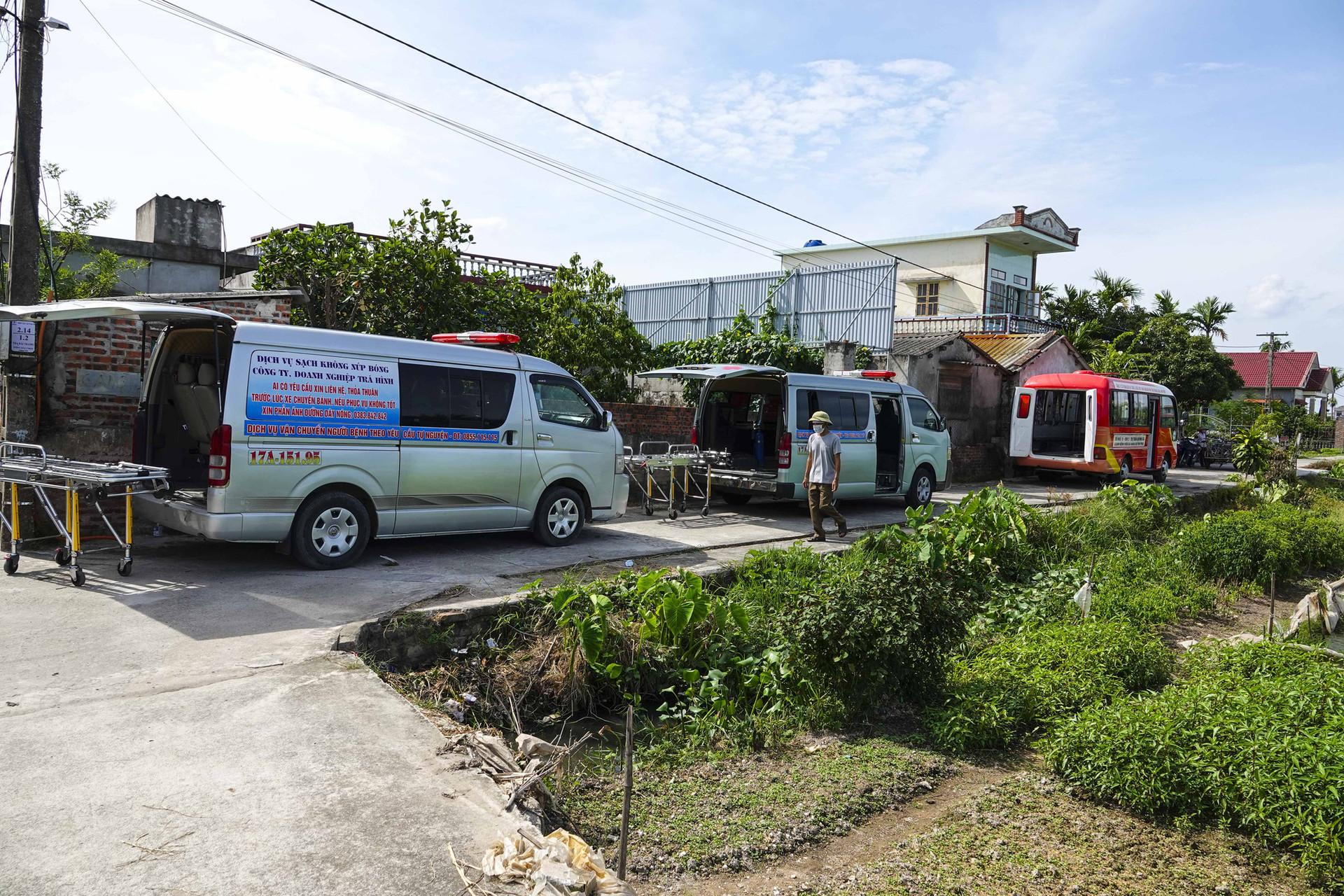 Vụ thảm án ở Thái Bình: Đám tang vội của 3 nạn nhân khiến nhiều người xót xa-2