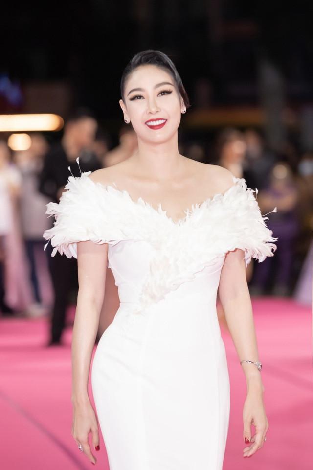 Hé lộ gia thế khủng, dòng dõi quyền quý của các Hoa hậu Việt-7